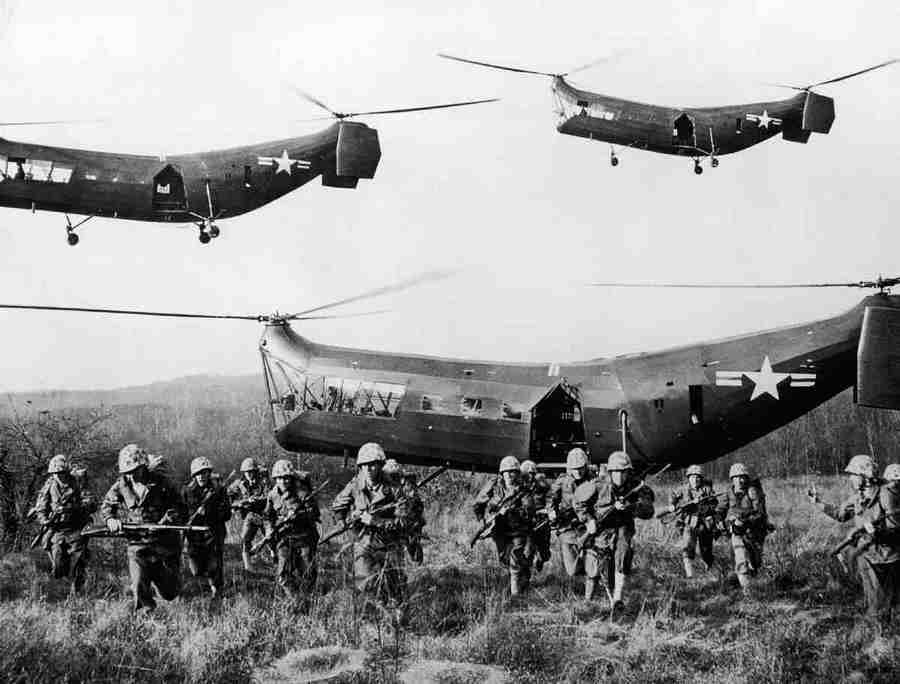 1953_koreai_haboru_amerikai_helikopterek_.jpg