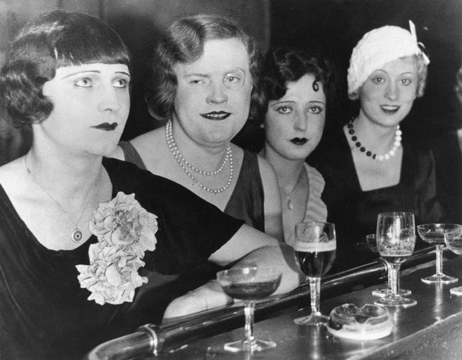 1929_transzvesztitak_a_berlini_el_dorado_nightclubban_.jpg