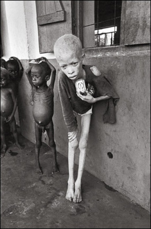 1969_ehezo_gyerekek_a_nigeriai_polgarhaboru_idejen_a_szakadar_deli_allamban_biafraban_.jpg