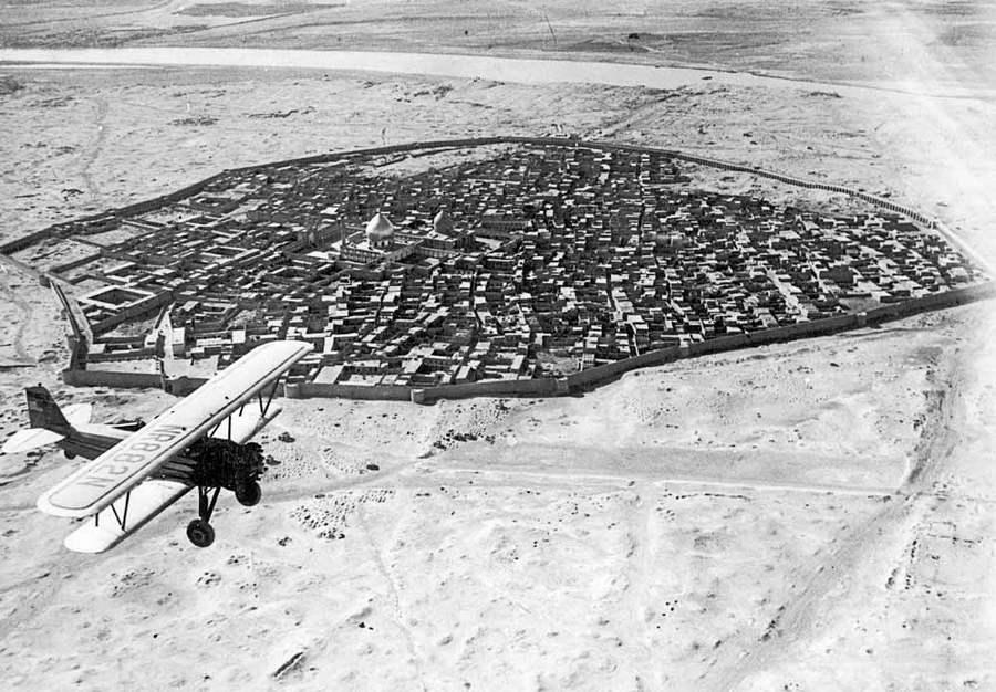 1930_koru_repulo_szamarra_irak_felett_.jpg