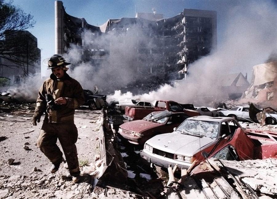 1995_aprilis_19_168-an_koztuk_19_gyermek_halt_meg_az_oklahoma_city-i_robbnasban_.jpg