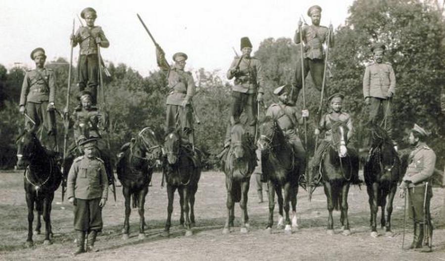 1910_doni_kozakok.jpg