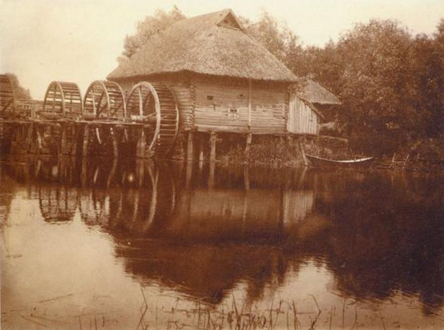 1910_haromkereku_vizimalom_a_vorszkla-folyon_.jpg