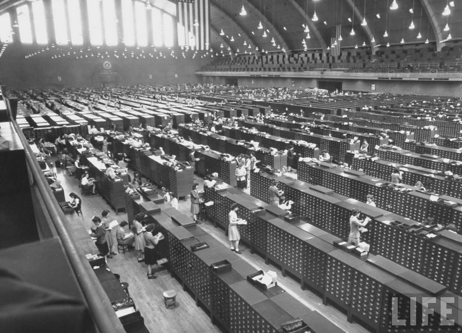 1944_az_fbi_fohadiszallasanak_kozponti_terme.jpg