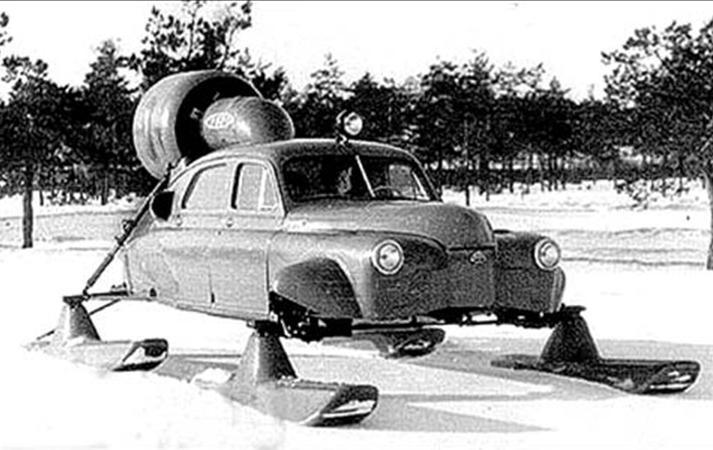 1959. Szovjet Pobjeda Szever-2 repülőgépmotoros hómobil.jpg