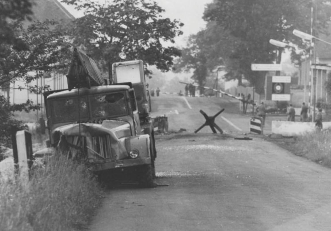 1965. TATRA.jpg