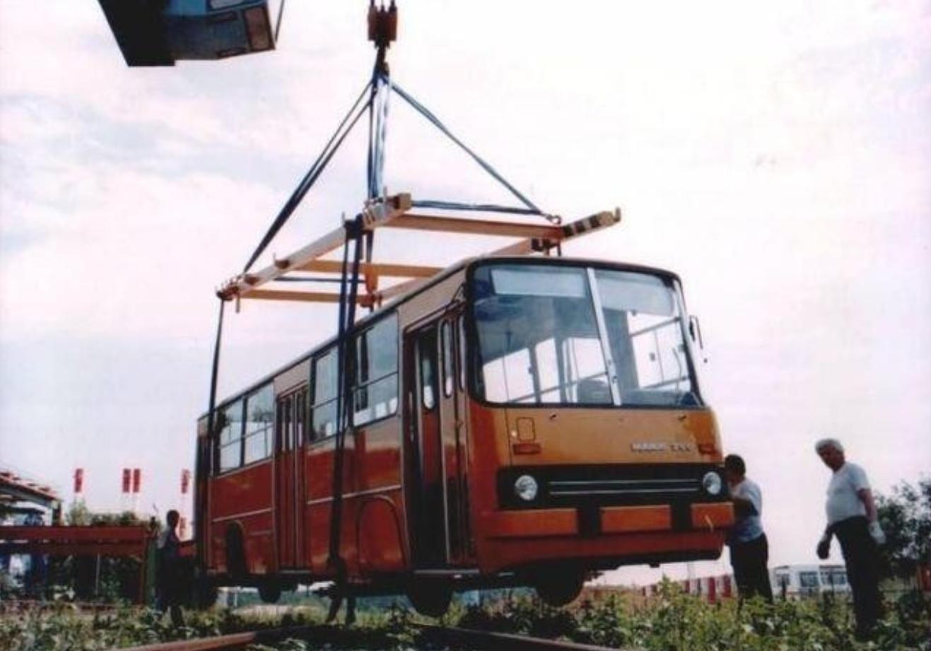 1986. Ikarus 260 sínbusz tesztje.jpg