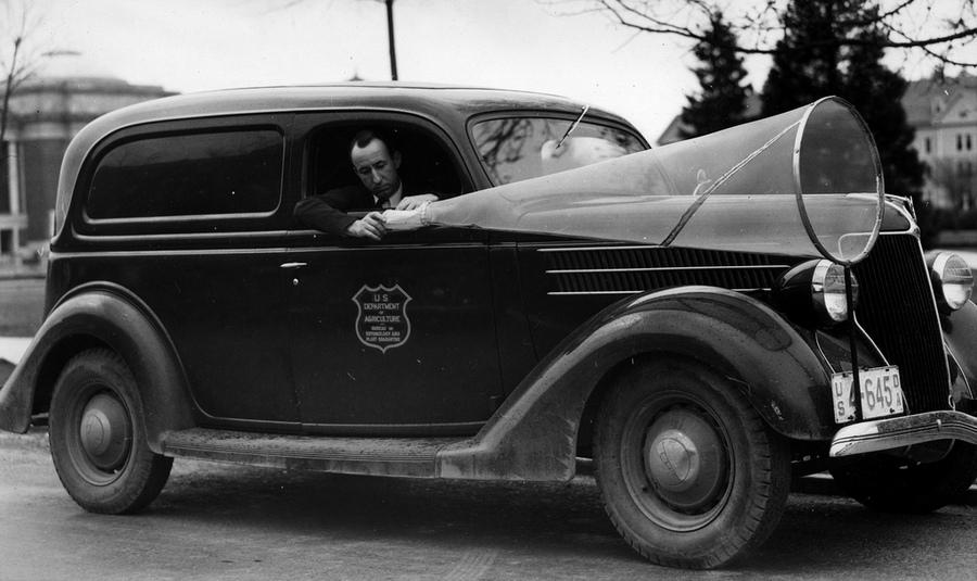1938_az_amerikai_mezogazdasagi_miniszterium_ovargyujto_gepkocsija.jpg