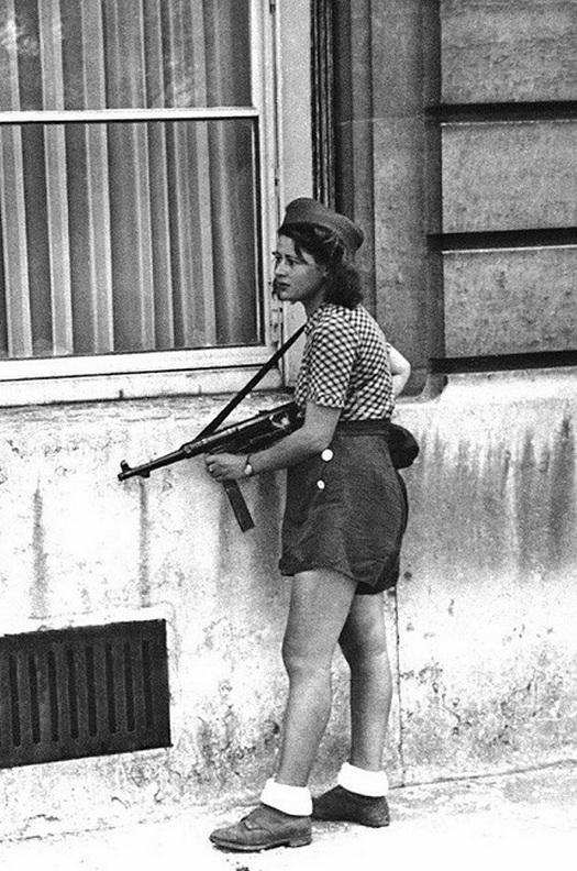 1944_francia_ellenallo_holgy.jpg