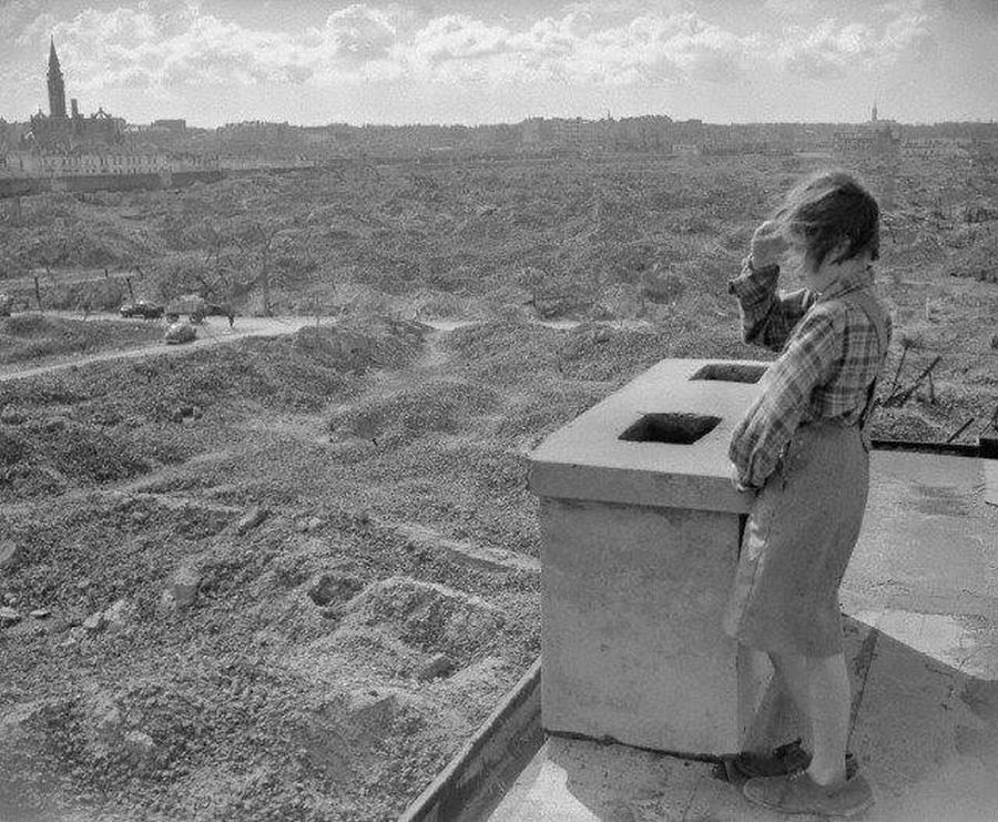 1946_a_lerombolt_varsoi_getto_latkepe.jpg
