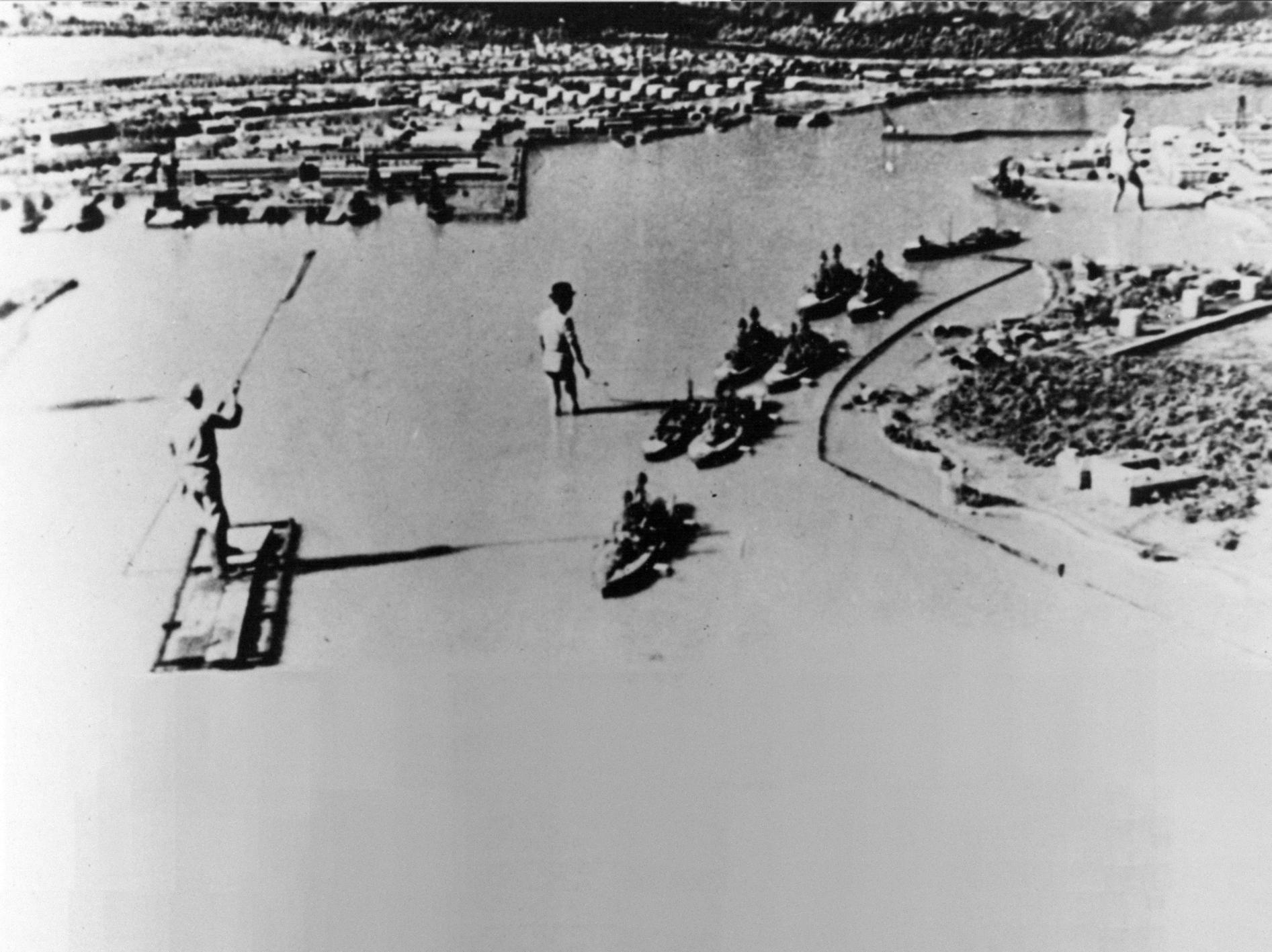 1943. A pearl harbor-i támadás újraforgatása propaganda célokra, Japánban..jpg