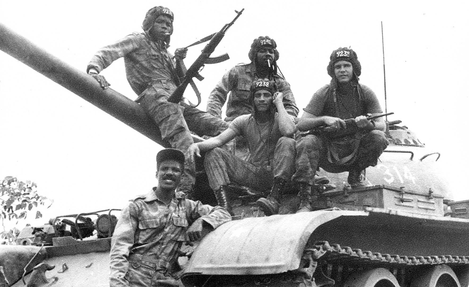 1989. Kubai csapatok Angolában. Együtt a dél-afrikai hadsereg ellen harcoltak..jpg