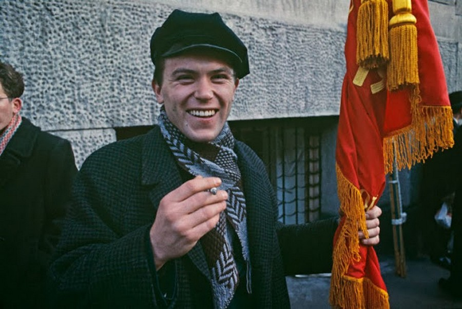 Wonderful Colour Photos of 50th Anniversary Soviet October Revolution in Moscow, 1967 (6).jpg