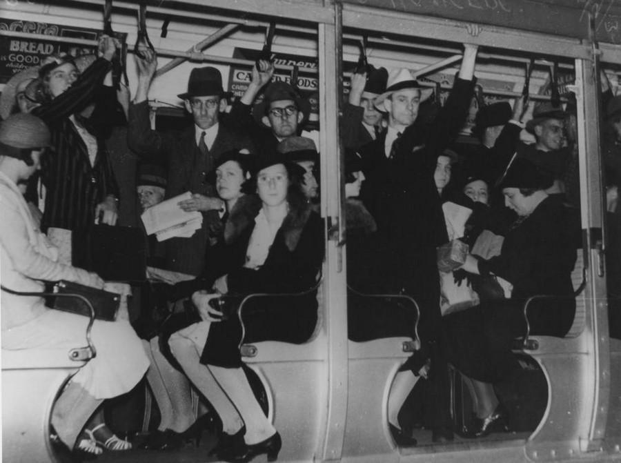 1937. Zsúfot, nyitott kocsi..jpg