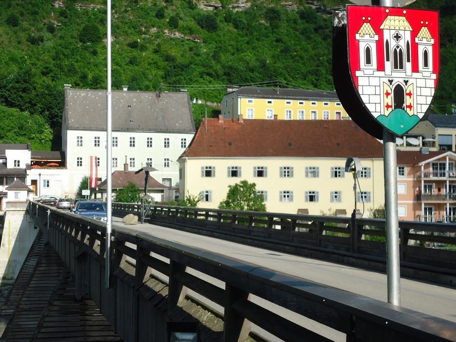 Híd Ausztriába. Nem erről jöttünk és nem is arra megyünk tovább :)