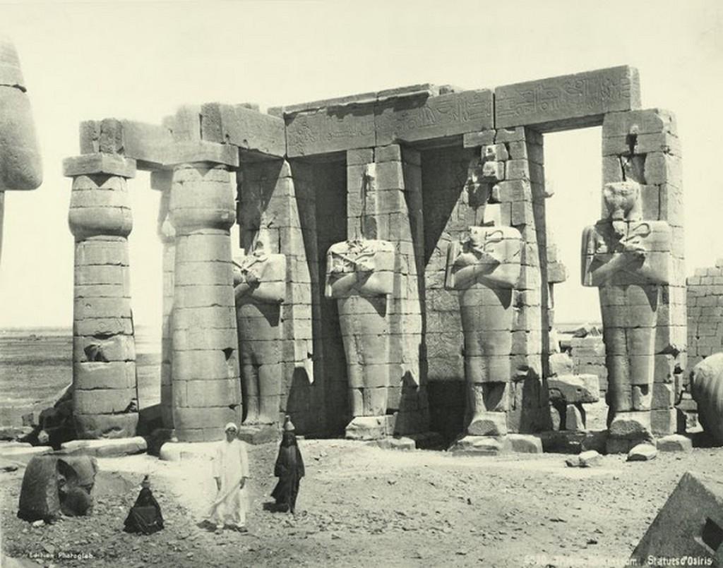 Ramesseum, statues of Osiris.jpg
