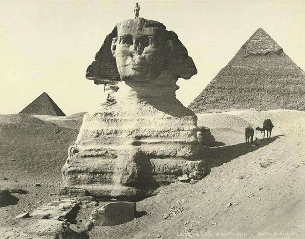 Sphinx & Pyramids of Chefren and Mankaura, Giza.jpg