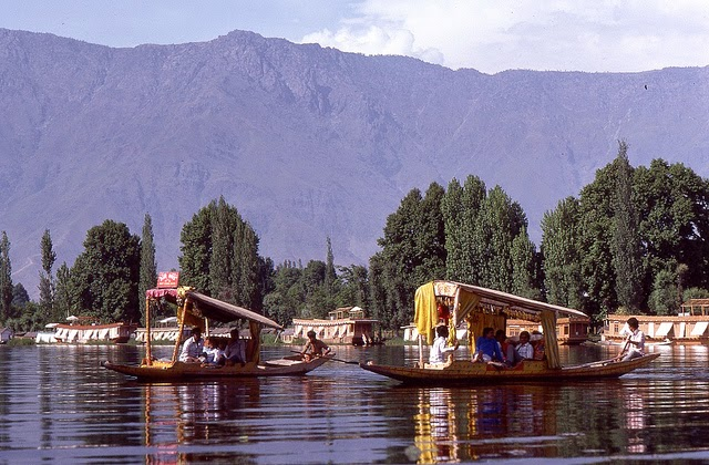 Vale of Kashmir, India, 1982 (1).jpg