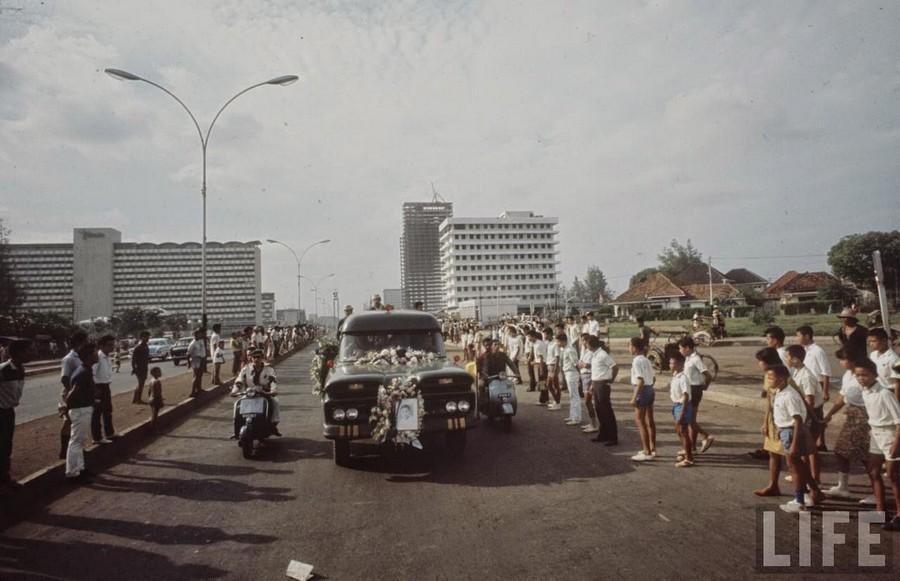 Indonesia, 1972 (14).jpg