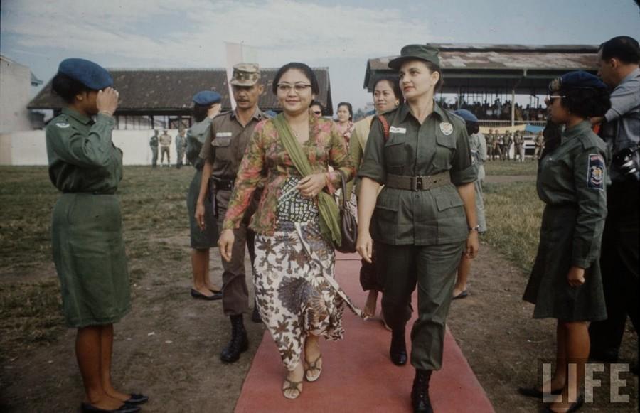 Indonesia, 1972 (28).jpg