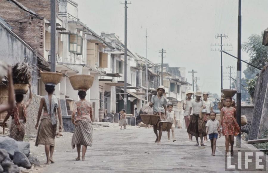 Indonesia, 1972 (3).jpg