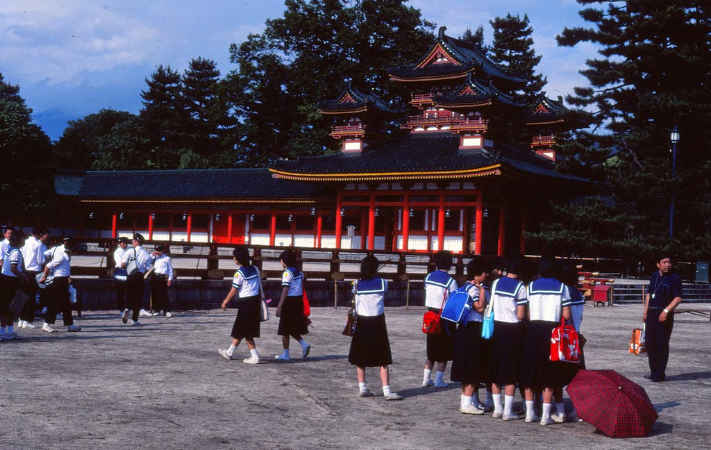 everyday_life_of_japan_in_1982_17_.jpg