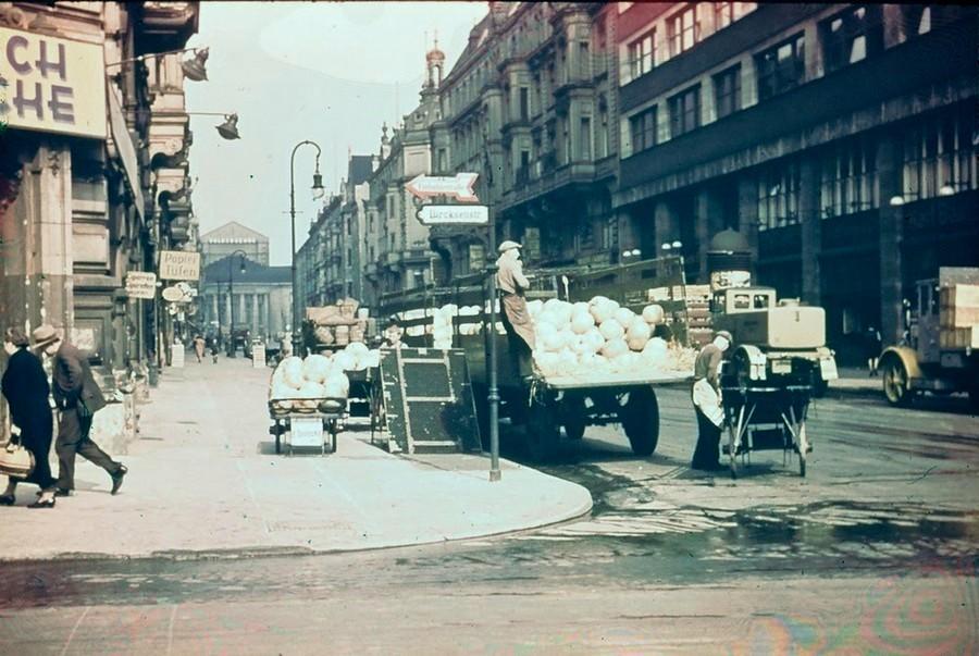 berlin_in_1937_10_.jpg
