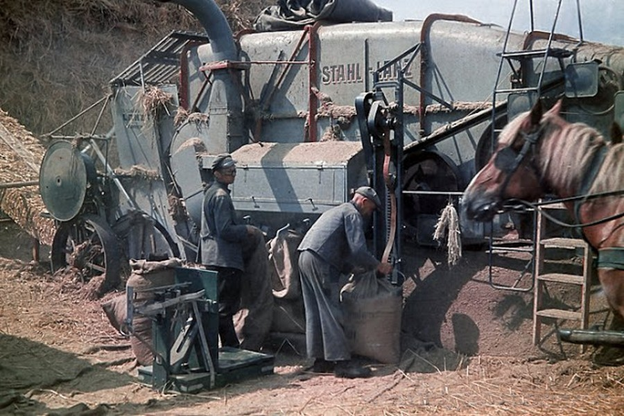 color_photos_of_the_third_reich_agriculture_in_mecklenburg_1938_4_.jpg