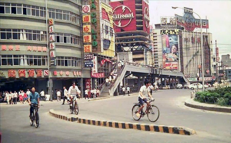 Color Photos of Life in Taiwan from 1950 to 1970 (1).jpg