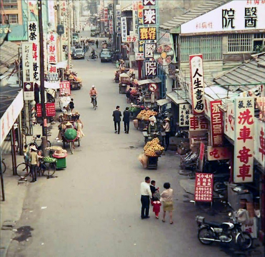 Color Photos of Life in Taiwan from 1950 to 1970 (10).jpg