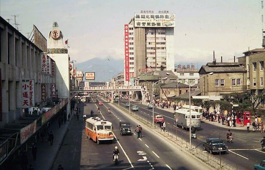 Color Photos of Life in Taiwan from 1950 to 1970 (8).jpg