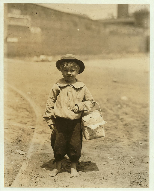 Old Photos of Child Labor between 1908 and 1924 (18).jpg