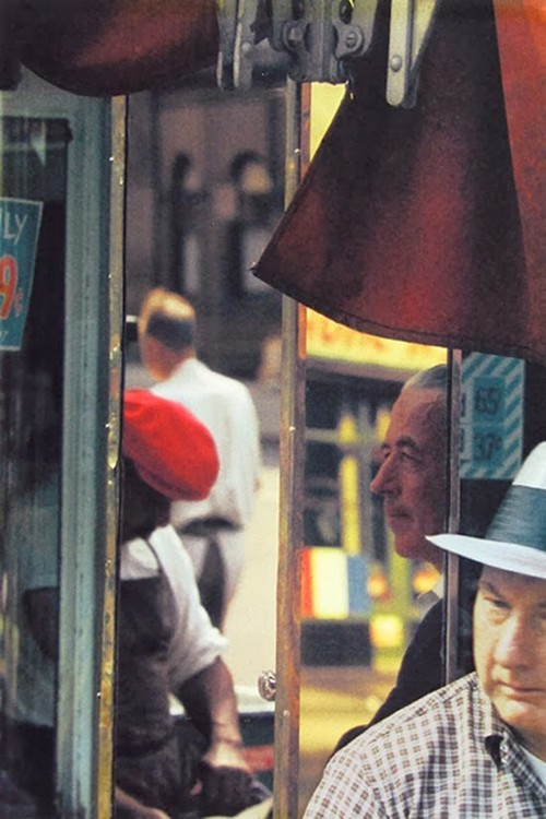Saul Leiter's 1950s New York in colours (13).jpg
