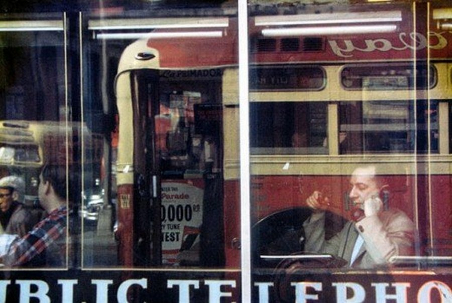 Saul Leiter's 1950s New York in colours (16).jpg