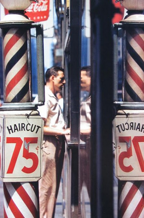 Saul Leiter's 1950s New York in colours (18).jpg