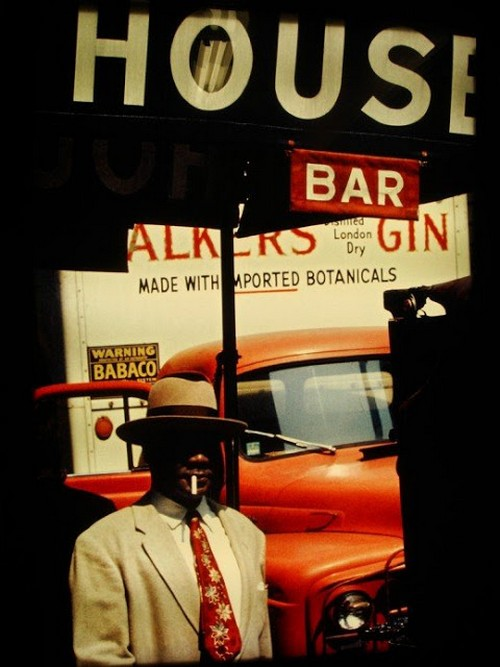 Saul Leiter's 1950s New York in colours (5).jpg
