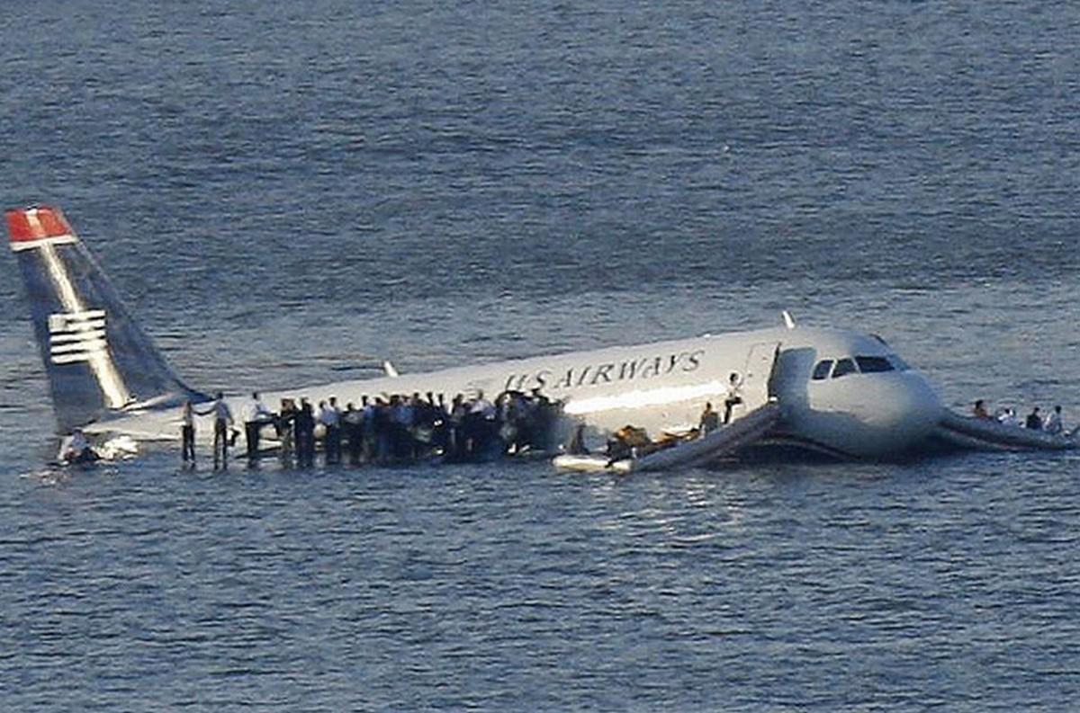 2009-ben az US Airways Airbus A320-asa a felszállást követően több kanadai vadlúdcsapattal ütközik és a meghibásodó hajtómű miatt a New York-i Hudson folyón landol.