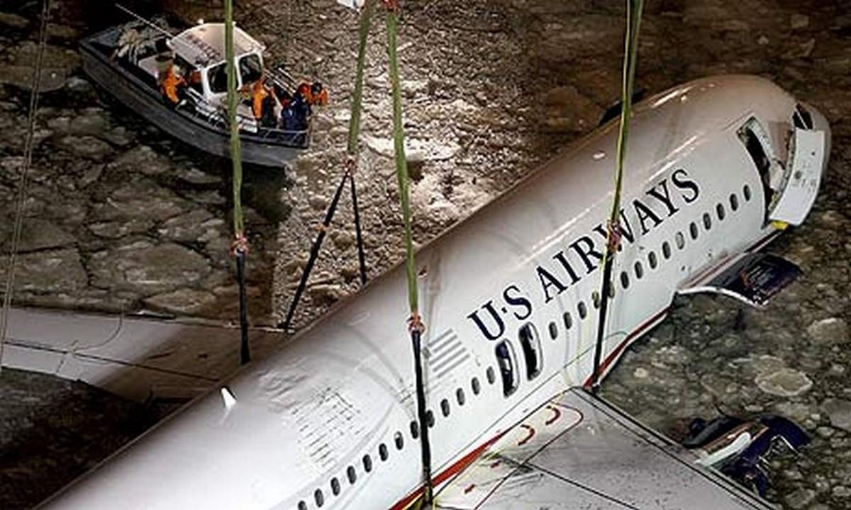 A gépet kiemelése után Charlotte-i repülőgép múzeumba szállították.