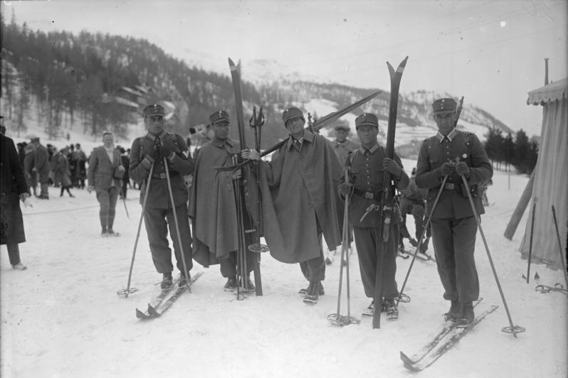 1928Bundesarchiv_Bild_102-05443,_St._Moritz,_Winterolympiade.jpg
