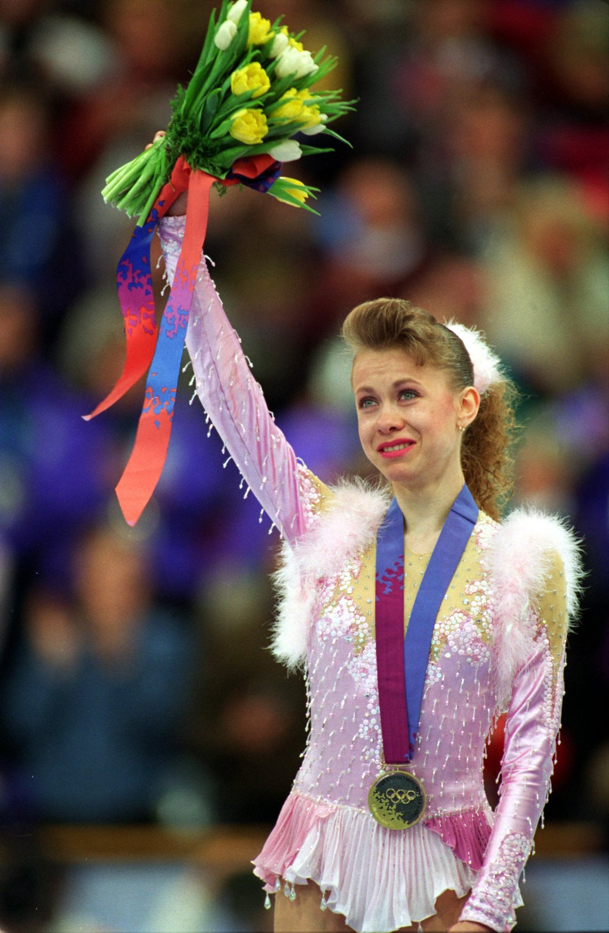 then-in-1994-oksana-baiul-won-the-gold-medal-for-ukraine-despite-an-injury-sustained-by-colliding-with-another-skater-in-practice[1].jpg