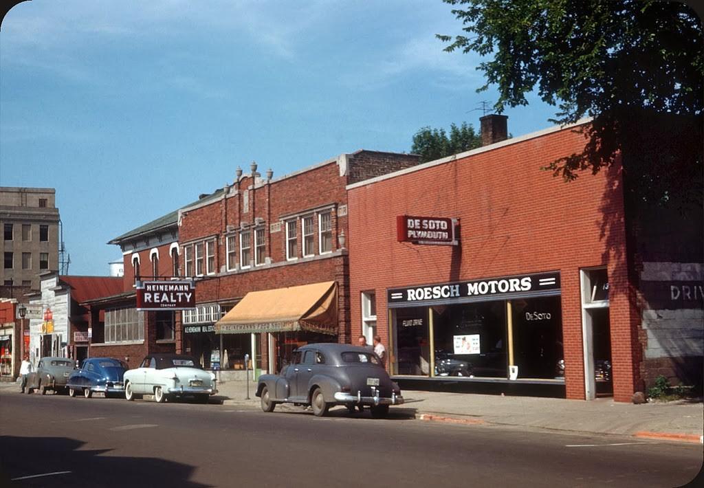 07 Desoto Dealer, Elmhurst, IL - 1951.jpg
