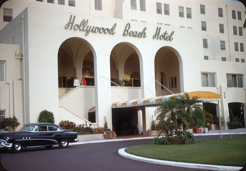 08 Hollywood Beach Hotel 1951.jpg