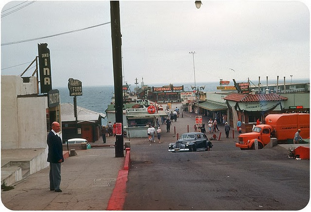 19 LA. Fisherman's Wharf, Redondo Beach — August 1953.jpg