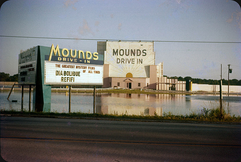 1957. Mounds Drive-In, East St. Louis.jpg