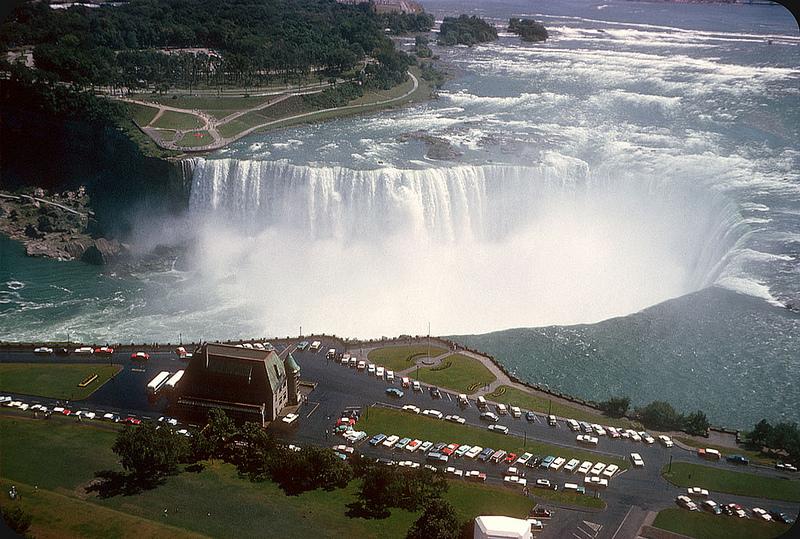 1961. Horseshoe Falls.jpg