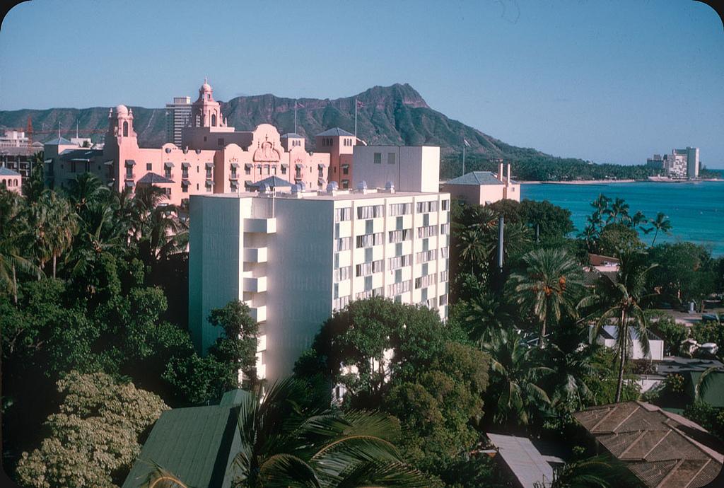 1965. Hawaii 2.jpg