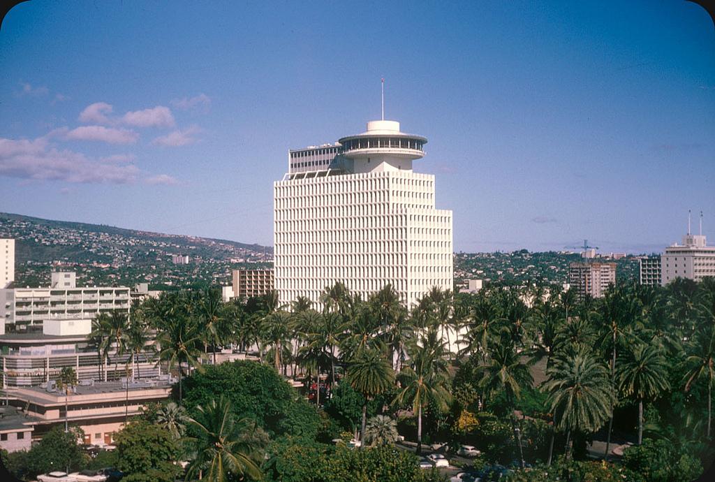 1965. Hawaii.jpg