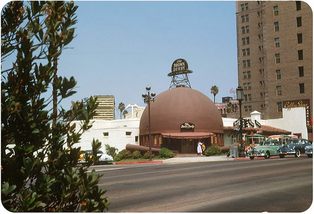 20 The Brown Derby, Los Angeles — August 1953.jpg