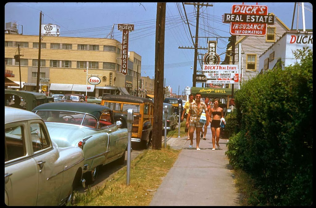 30 Atlantic City - 1953.jpg