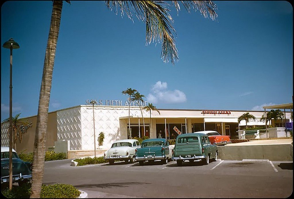 32 Sunrise Shopping Center — Mid-Century Modern Ft. Lauderdale, 1956.jpg